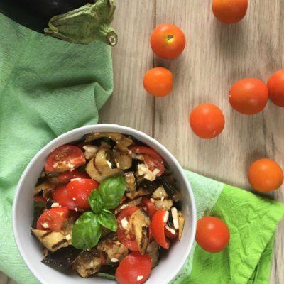 Melanzane, pomodorini e feta