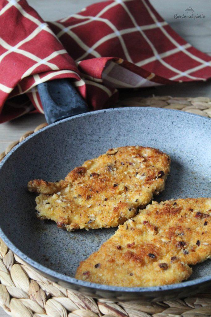 Bistecche impanate con nocciole e paprika